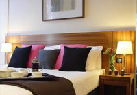 2 Night Romantic Breaks in Edinburgh from £129.00pp (Includes Scottish breakfast, Champagne & flowers, dinner on one night)